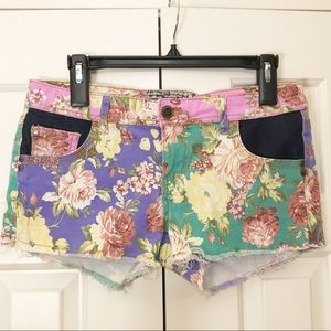 Bright colorful floral purple green shorts. Sz. 7.